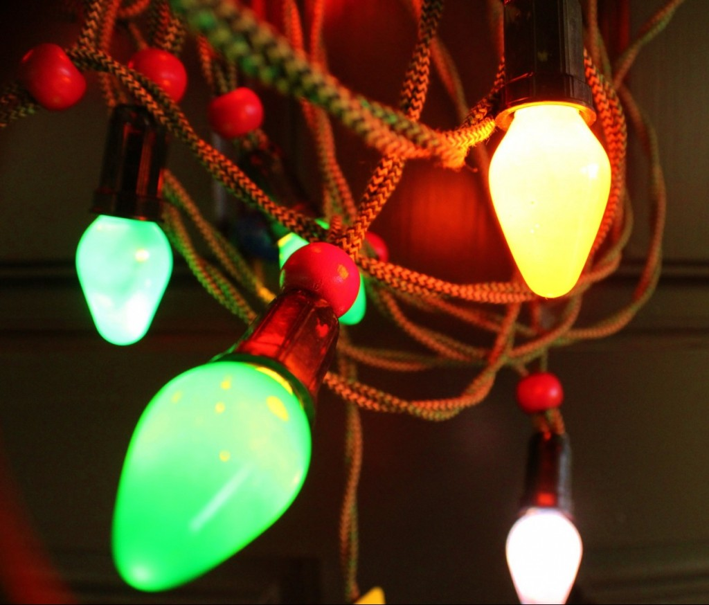 Vintage Christmas lights: C-7 lights on cloth-wrapped cord