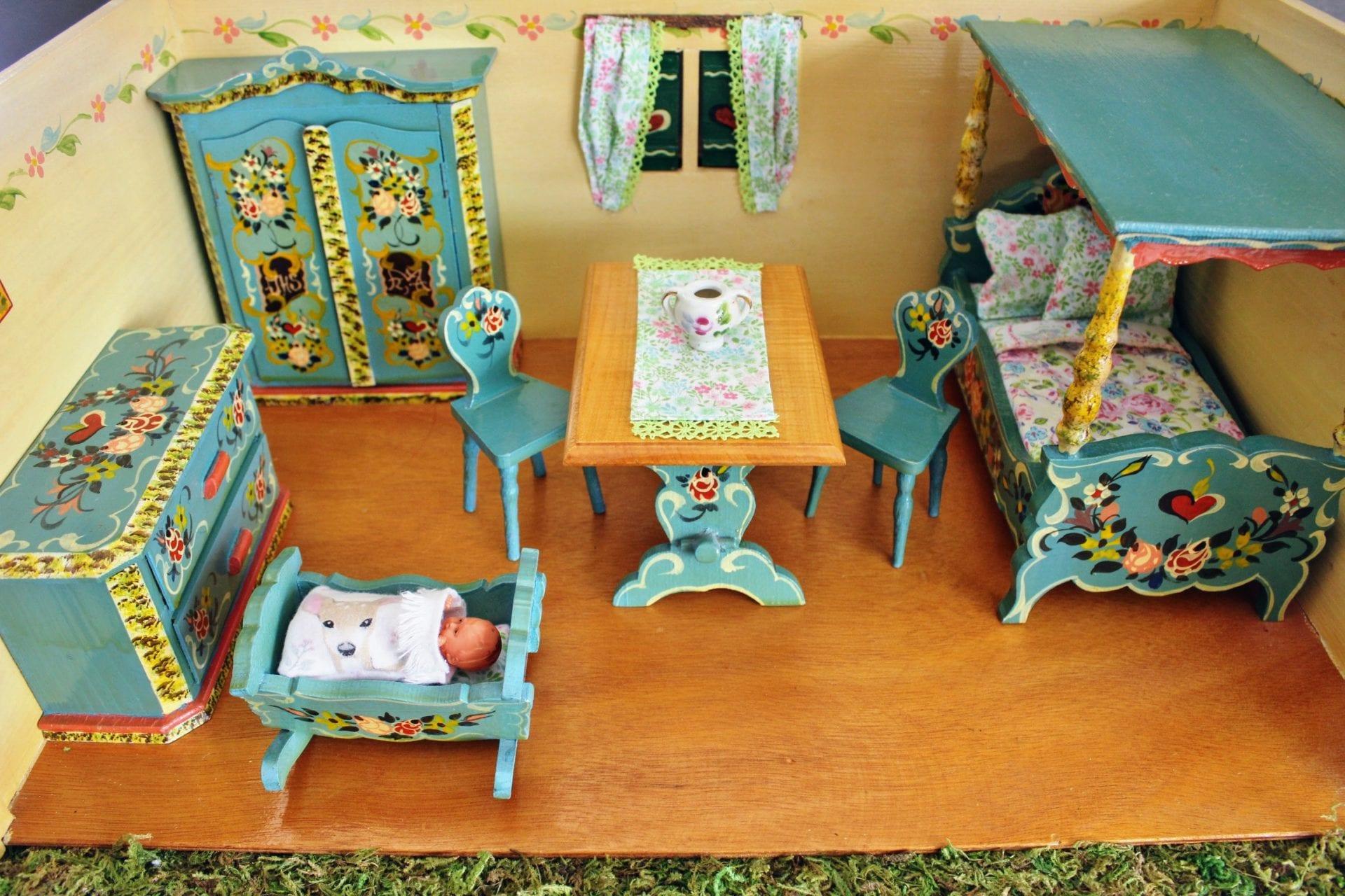 Vintage Dora Kuhn dollhouse and furniture